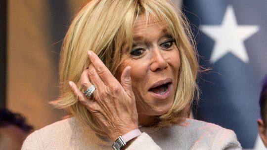 Une plateforme de rencontre de femmes matures comme Brigitte Macron